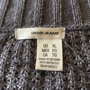 Dkny Sweaters - DKNY Chunky Cable Knit V Neck Pullover Sweater